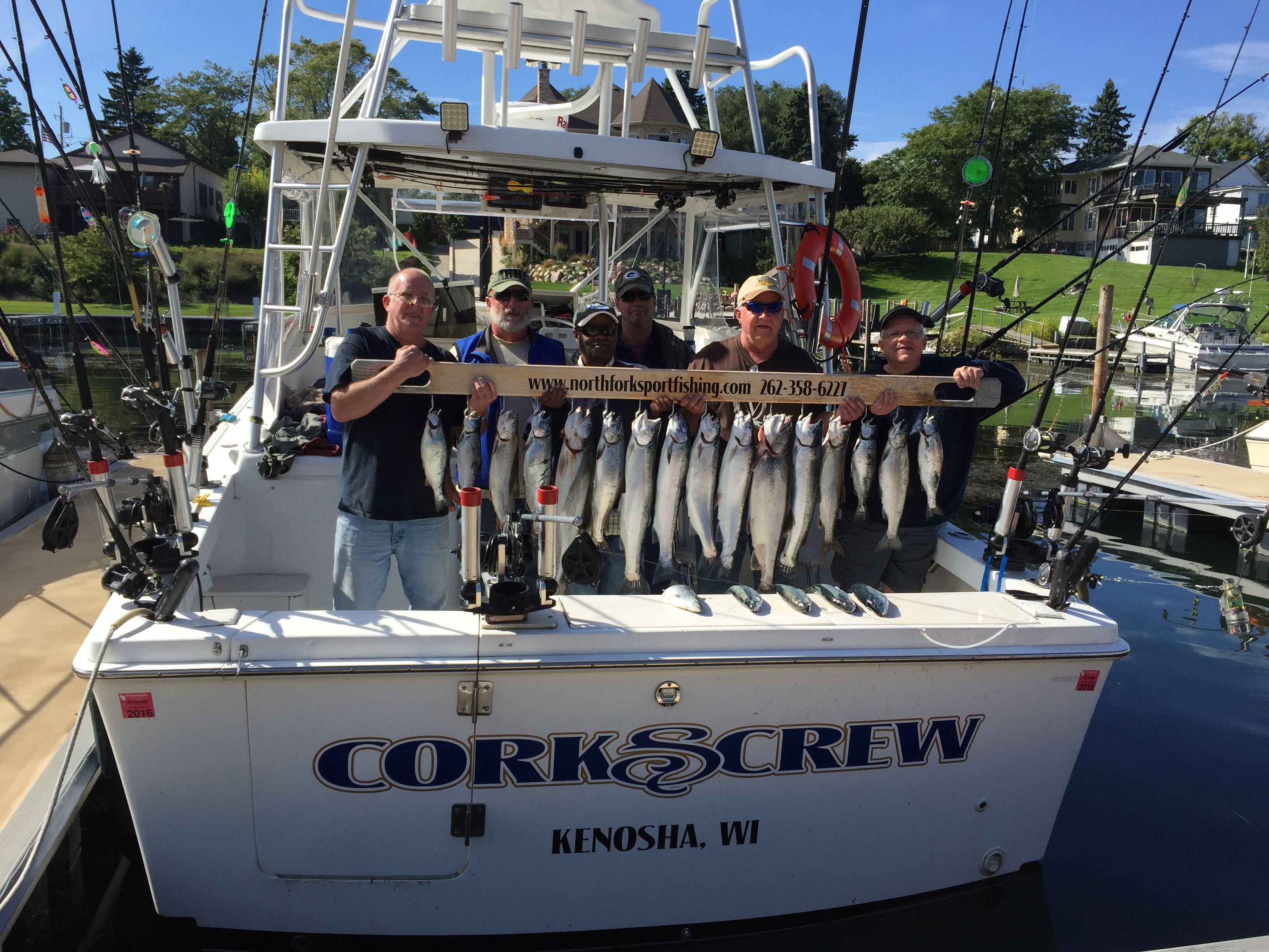 5-people-in-kenosh-wi-on-boat-with-daily-catch