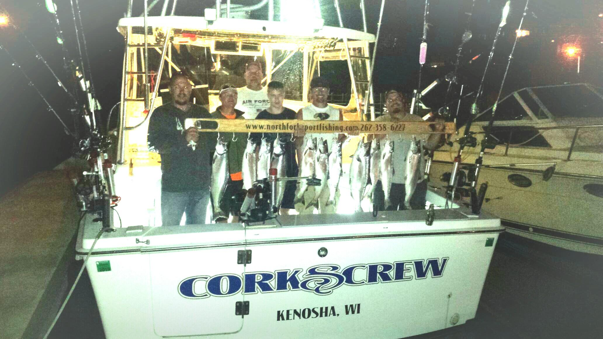 evening-sport-fishing-trip-group