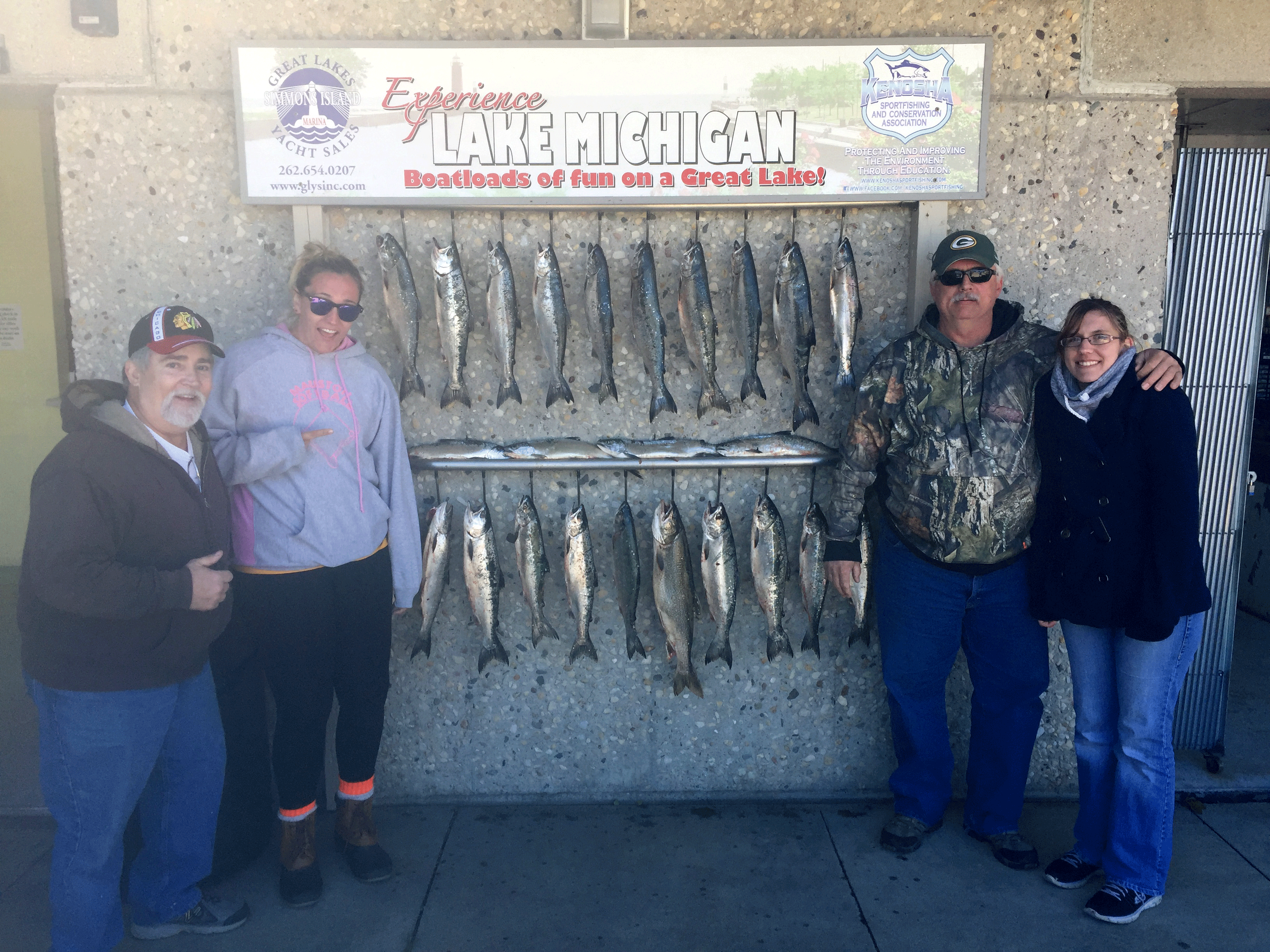 2-couples-successful-fishing-pole-trip